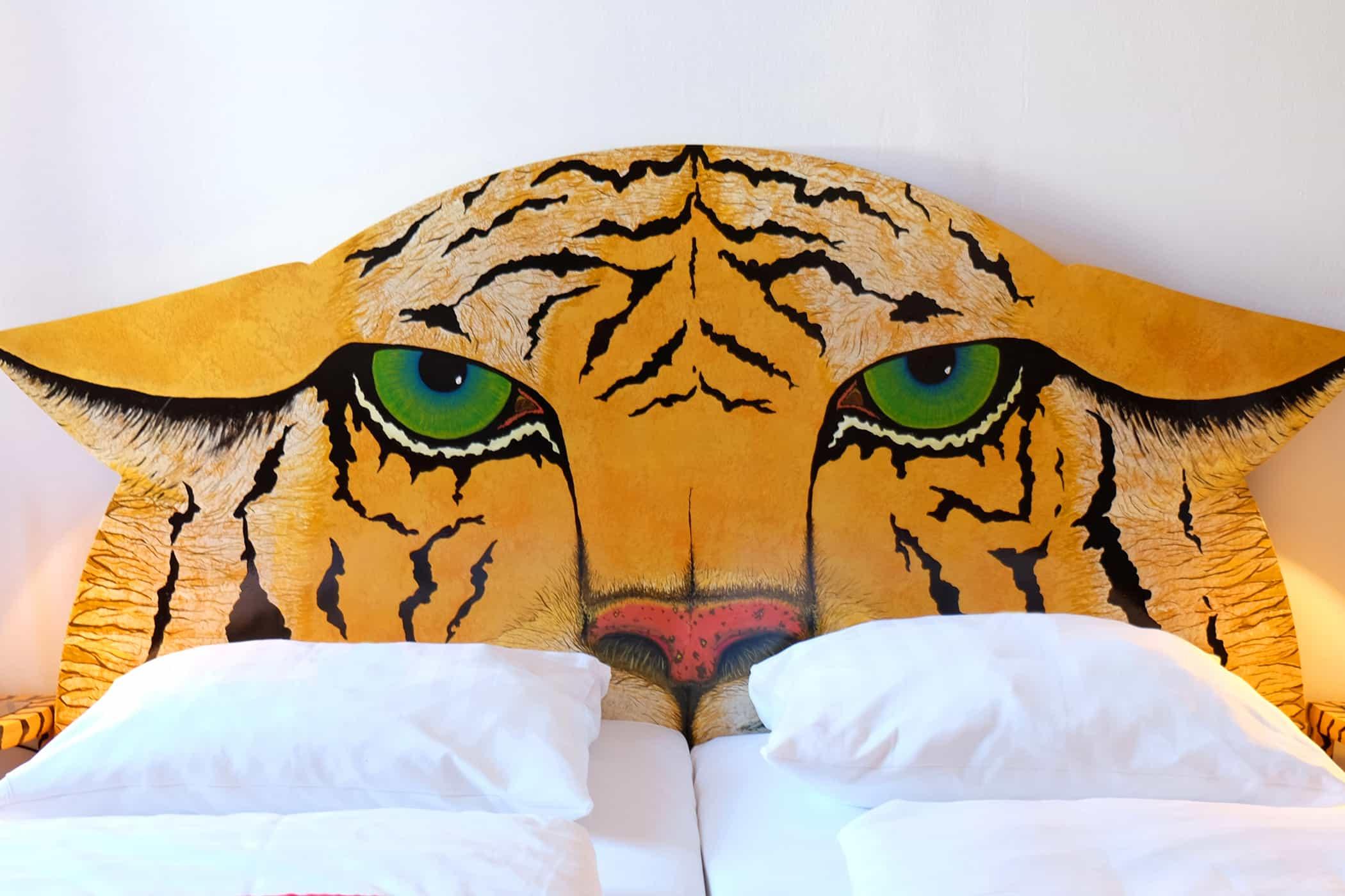 TIGER (15b)